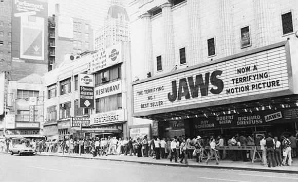 Jaws - line for cinema